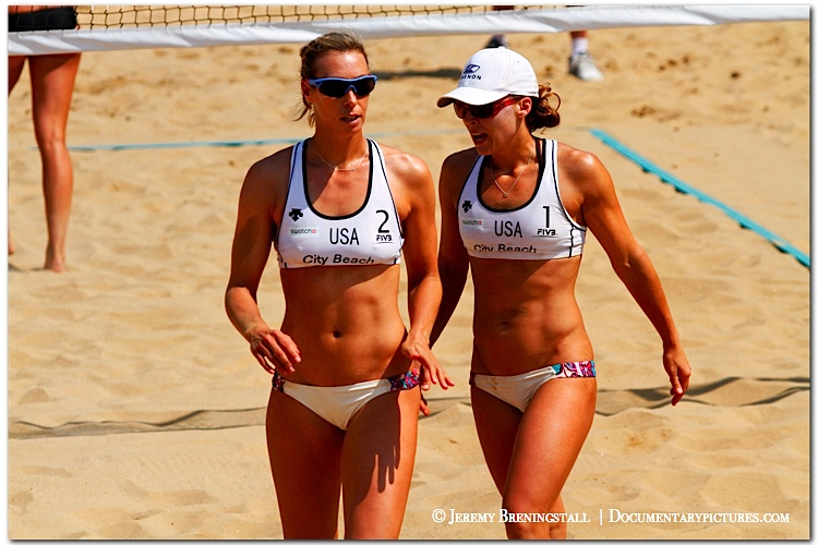 Lauren Fendrick and Brooke Hanson: Women's Pro Beach Volleyball Photos  (Years 2009-2012 Breningstall.com)